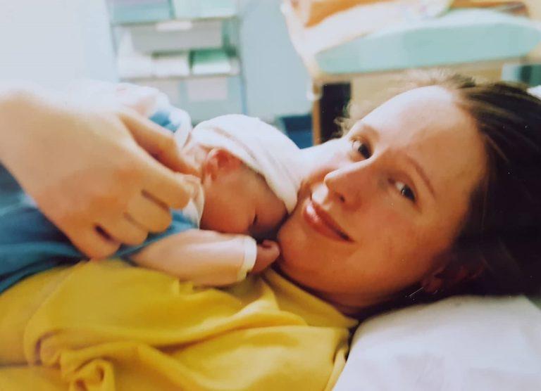 0d65d730d22 Tan sündis südaööl ja esimese öö magasime ma kõrvuti voodites, sest mul ei  lubatud teda enda kõrvale võtta. Lapsel on oma voodi, oli õe või ämmaka ...